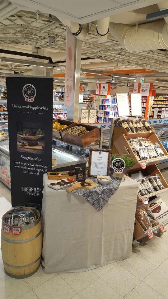 Sangnæspølsa - lokalmat i butikk - Jacobs Majorstuen